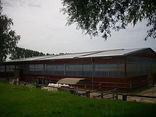 Photovoltaikanlage auf gewerblichem Gebäude